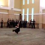 すごい!コサックダンスを極めると、こうなるそうです!