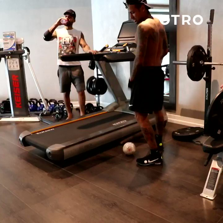 @neymarjr's weekly vlog is back! Download OTRO now to watch the latest episode 💪 https://otro.onelink.me/32nO/ff7ec431 #OurOtherClub