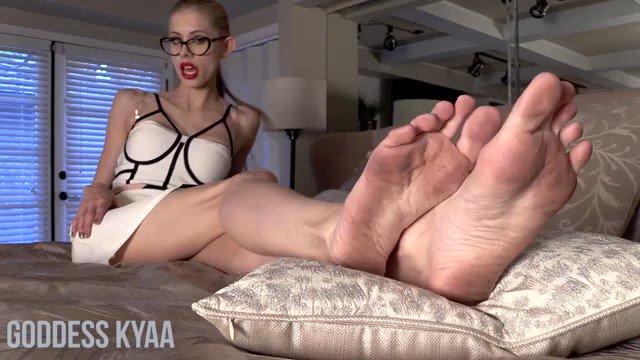 Foot Goddess HQ New Porn Pics