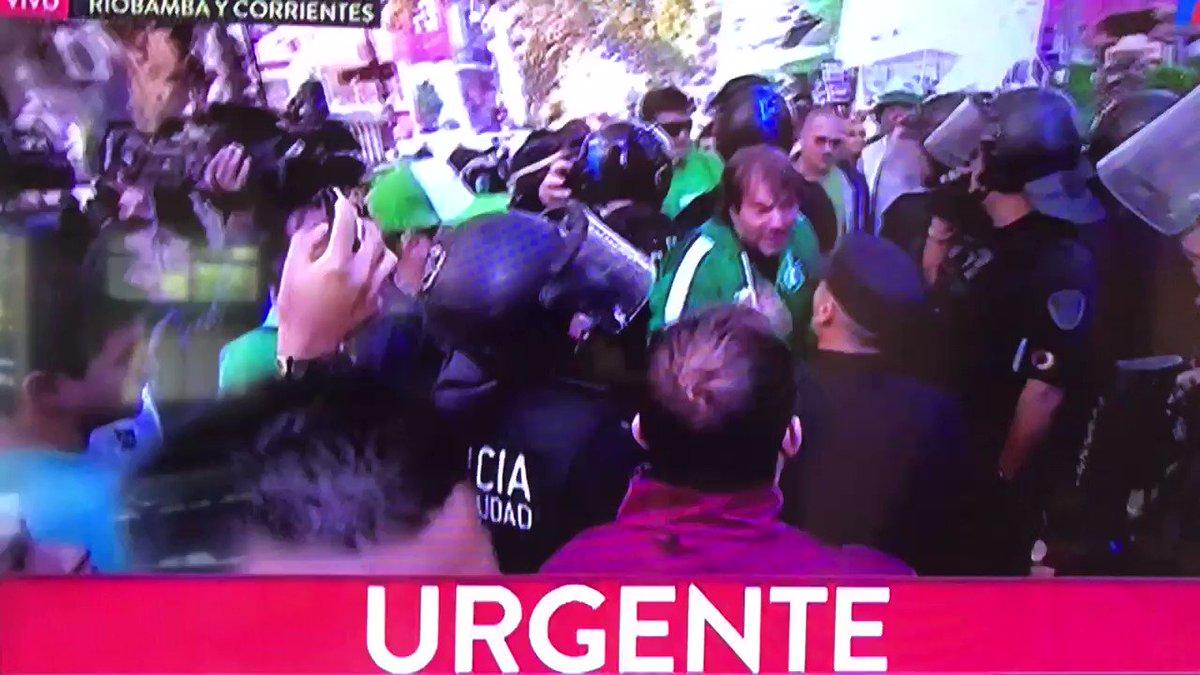 ALEX-RE-HARTO's photo on #BuenMiercoles