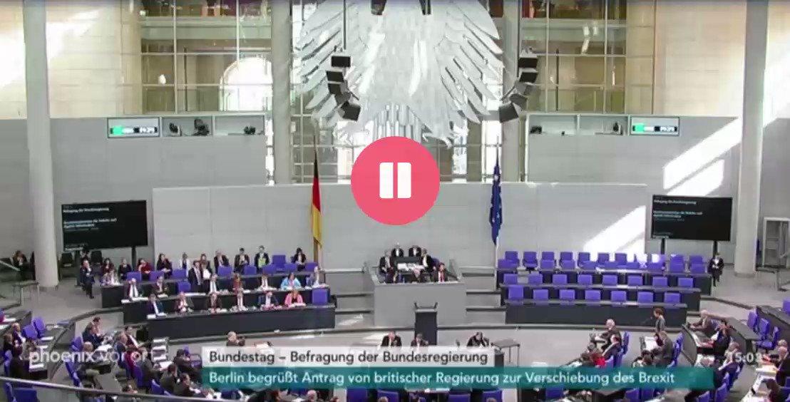 WAHNSINN!!1! Verkehrsminister Andreas Scheuer (CSU) wird im Bundestag auf #dieanstalt angesprochen. Was er zu sagen hat, ist wirklich unglaublich... . . . . . . . . . . . . . . . . . . . . . . . . . . . . . . . . . . . . . . . ...langweilig.