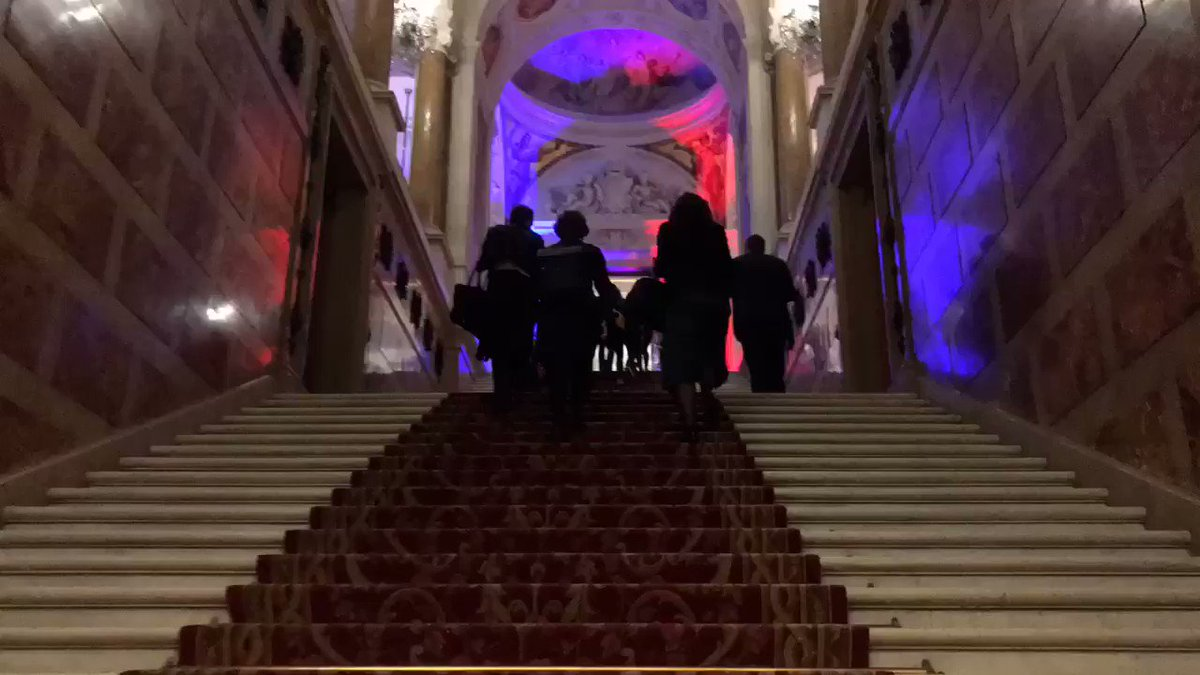 #HackingParis   📹 Retour en vidéo sur cette matinée du @MBADMB au Hacking de Paris à l'Hôtel de Ville 👩🏽💻  💡 Workshops & projets engagés et innovants de #StartUp   #Ecolo #Innovation #MBADMB #Hacking  @ArnaultChatel @MBADMB @EFAP_ @Paris_and_Co @United_Kitchens @VictoireMenet