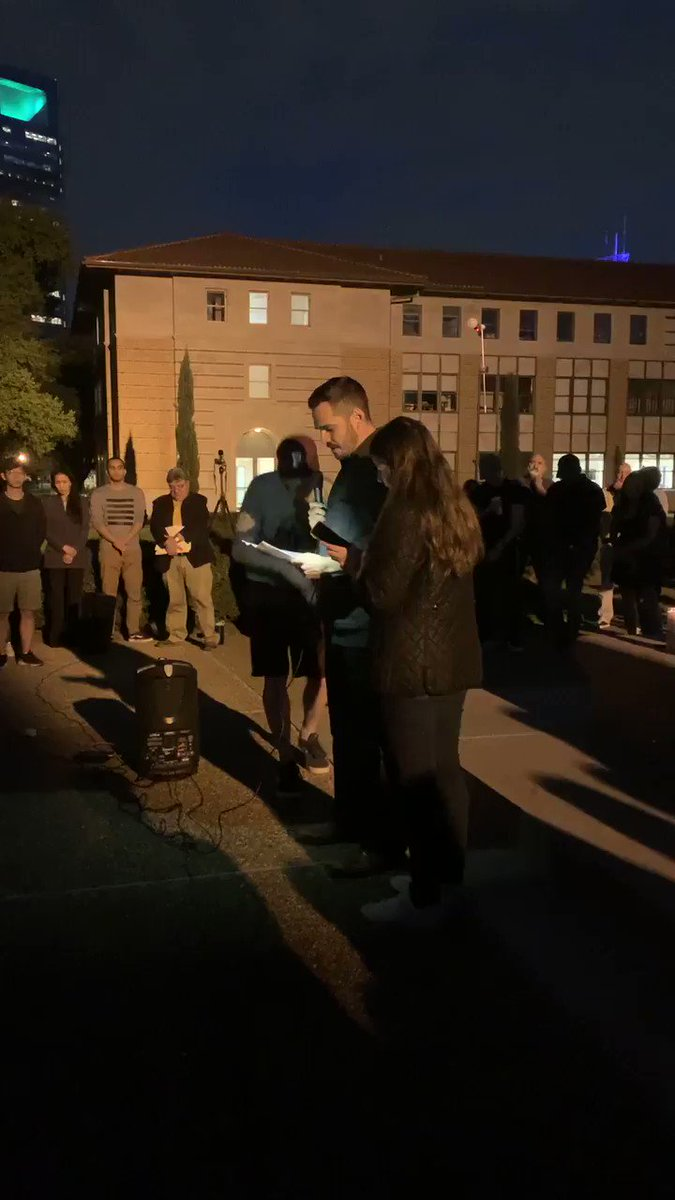 We did our best last night at @RiceUniversity to honor the martyrs of the Christchurch terrorist attack. Following the lead of @KhaledBeydoun & his #50Lives thread, I shared the names/stories of the faithful departed to humanize them & remind people of the cost of Islamophobia.