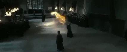 🎮Detalles de Películas que NO habías visto🕹️  1º- En Harry Potter y las Reliquias de la Muerte Pt. 2, durante la pelea con la Profesora McGonagall, Snape redirige el hechizo de Minerva hacia los dos mortífagos que hay tras de él adrede.