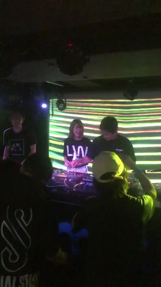 RT @Addict4869: ふぁりみてるかー!!!!  @ItsRealPharien  #沈黙ダンス https://t.co/qxiRT77cBN