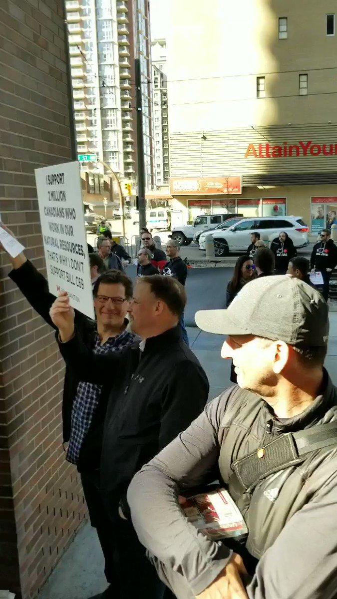 Happening in #Calgary right now! Build #TransMountain! Stop #BillC69 ! #yyc #ableg #abvote #abpoli #cdnpoli #bcpoli