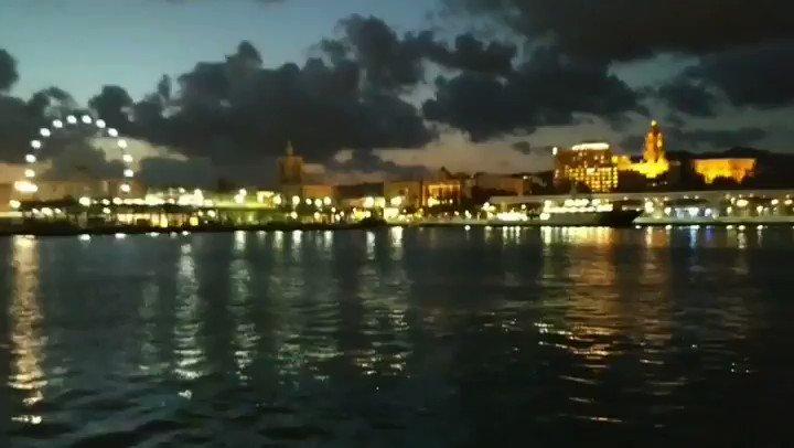 #Málaga by night. Sublime.  - Anochece en Málaga. #Sublime.  - #OMGG #OhMyGoodGuide #SpringInMalaga #andalucia #tour #springholidays #privateguide #sea #muelle1 #boat #port #reflections  #malagaexperience #travelblog #travelforlife #landscape #waterlandscape #22FestivalMálaga