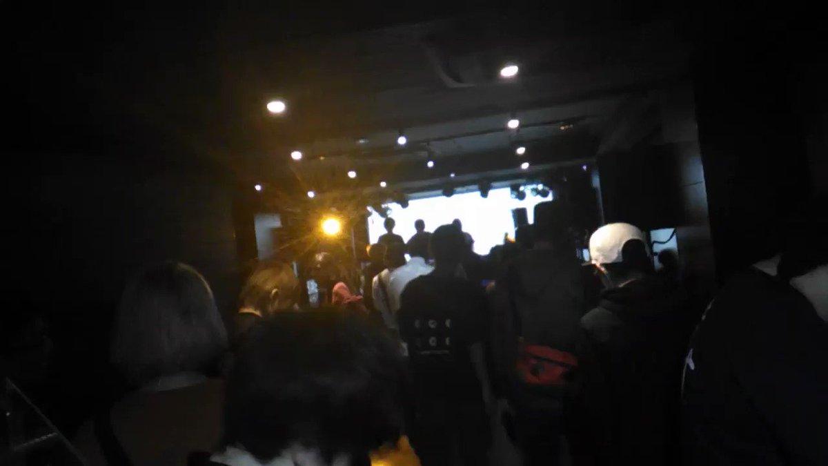 昨日は#420のボスのパーティ #沈黙ダンス にも足を運んでました。  喋れない、という中 みんなが楽しそうに踊る、体で表現する空間、最高だったわね。 https://t.co/Ipn5sziwoM