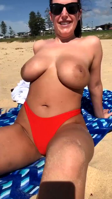 Let's get sand in places where there shouldn't be sand 😜 https://t.co/9sCSR7r29b   👻 AngelaWhiteSnap