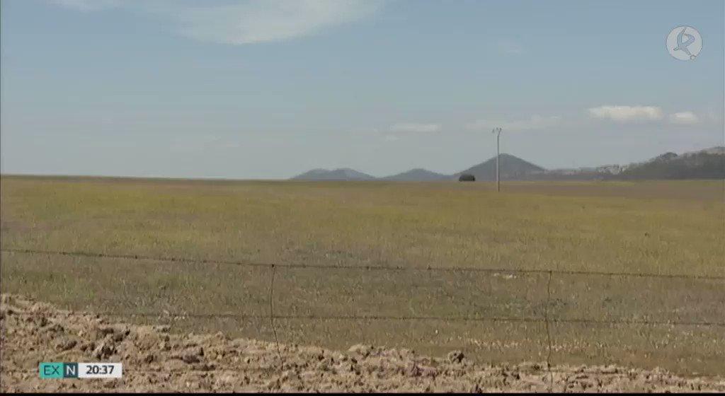 El proyecto de una nueva planta fotovoltaica sigue dando pasos. El BOE ha publicado el estudio de impacto ambiental de la que se pretende construir en Ceclavín y Alcántara. Será una de las cuatro más grandes de la región.  #EXN https://t.co/F0cxN5FY2W