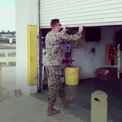 آمادگی بدنی این تفنگدار ارتش قابل تحسین است