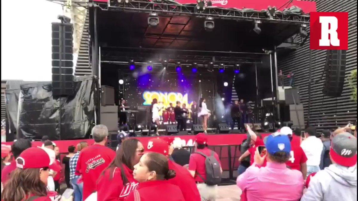¡AMBIENTAZO!   Las inmediaciones del Estadio Alfredo Harp Helú ya se pintaron de rojo...   ¡Se viene la inauguración! ⚾️  📹| @Jocelinflores   http://record.com.mx
