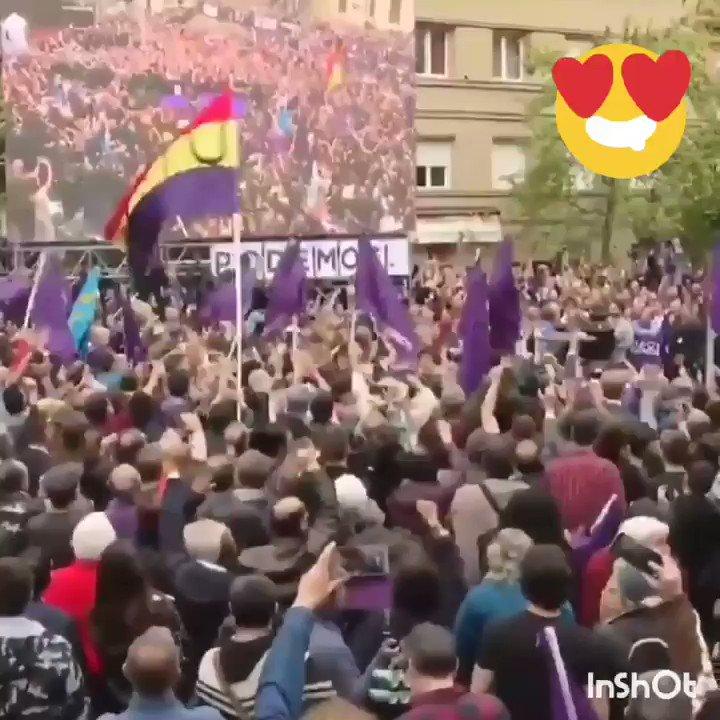 RT @eledhmel: Quédate con quien te mire como Alberto Garzón a Pablo Iglesias. https://t.co/jJuaangPq3
