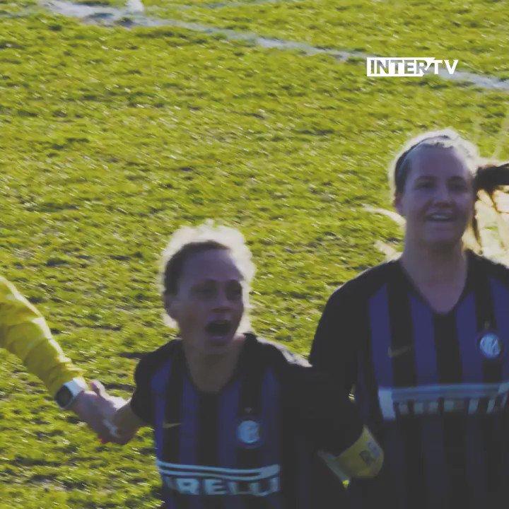👩 | هنا سيدات النيراتزوري 🖤💙  فريق @coachdelafuente أتم المهمة  17 فوز من أكبر عدد من المباريات!  كما أننا صعدنا 🆙 مع  تبقي خمس مباريات على نهاية الدوري! ⚫🔵👏  #FORZAINTER #InterWomen
