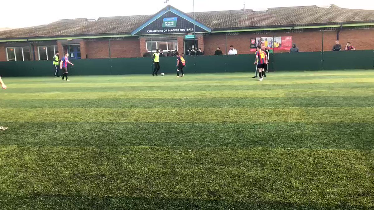 One of the main reasons I ❤️ covering the #FAPeoplesCup is discovering some of the abolsute ballers playing at your every day 5-a-side pitches ⚽️👊🏽🙌🏾  Shout out to Zak from Balls Park for this naughty goal which helped seal their place at St George's Park 🏴  👏🏽👏🏽👏🏽