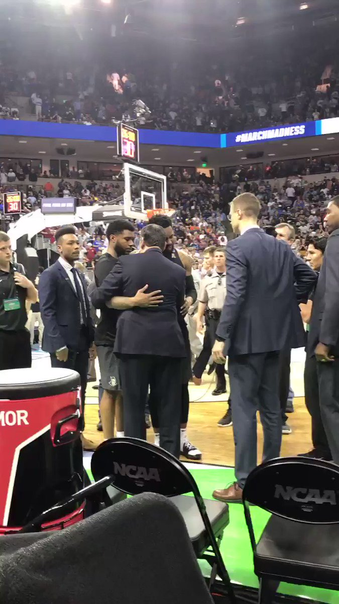 Coach K comforted UCF players after today's wild finish. (via @ShawnKrest)
