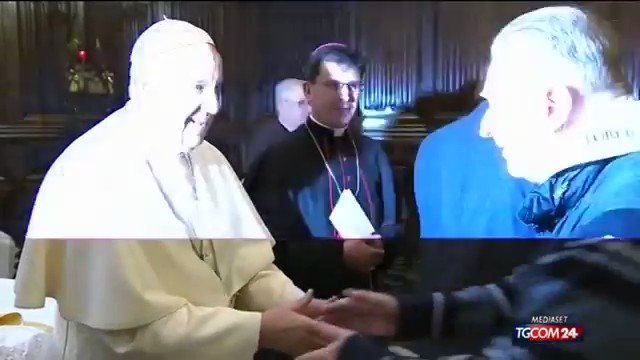 Image for the Tweet beginning: Disturbing Video: Pope Francis refuses