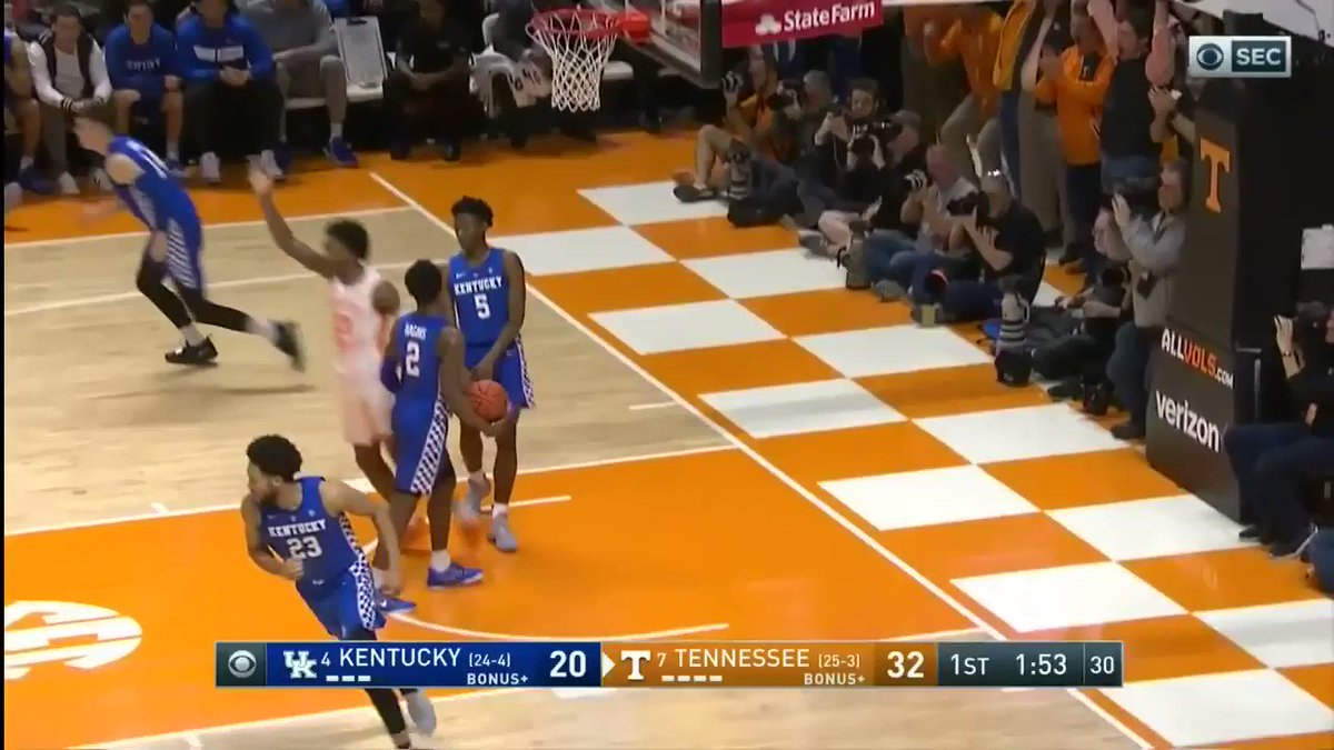 Want another reason why you should root for the #Vols in the #Sweet16? Look no further than Knoxville native @JordyBow3 (and his amazing mom Regina).  FULL STORY ➡️https://www.facebook.com/jordancrammerWATE/videos/2211203755819474/ …