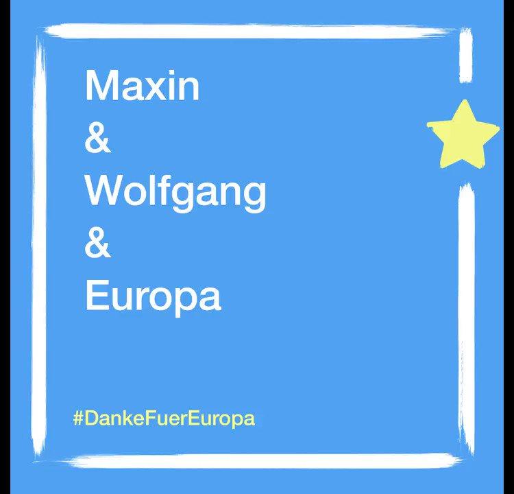 Mit etwas Glück kann Maxin bald sehr oft nach Barcelona, falls er 2 Interrail-Tickets für seine eingereichte #Europa-Geschichte gewinnt. Gemeinsam mit Wolfgang hat er #DankeFuerEuropa gesagt. 🇪🇺✌️#Reisefreiheit Ihr könnt auch mitmachen!  👉 https://artikel-eins.de/europa/