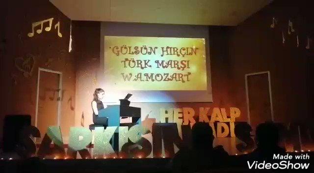 """Müzik bölümünün hazırlamış olduğu """"Her kalp kendi şarkısını söyler"""" temalı piyano resitalimiz. 🎻🎹🎼@dagozlem @ozgeeasln @ErkenCocukluk @sevtapengin @gulfemtandogan @mrtdemirlioglu"""
