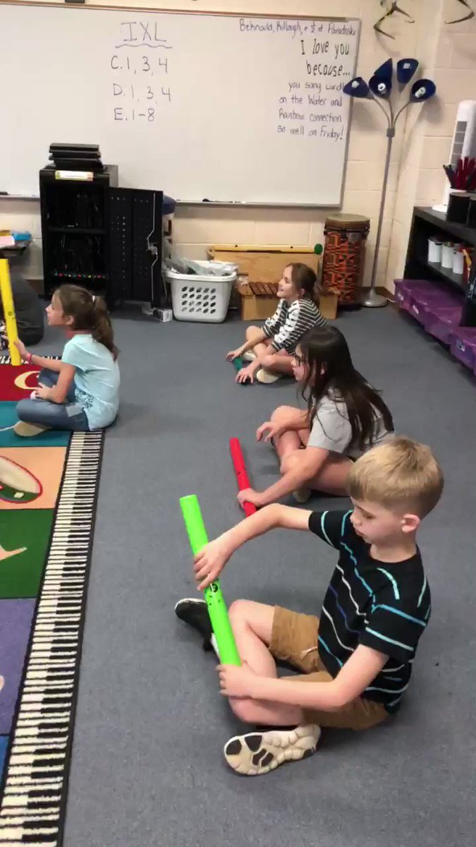 We love using @TheBoomwhackers to help us learn the lines and spaces and Solfege! @ElemRob #risdres #RobinsonISD