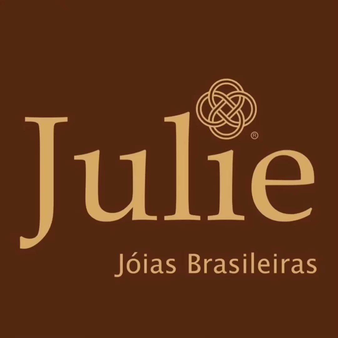 #Anel 'InLoop', #sochic! #granada #garnet #tsavorita #tsavorite #espessartita #spessartite #gemas #gemstones #prata #silver #ring #design #joias #jewelry #joalheria #jewellery #bespokenjewelry #readytowearjewelry #JulieJoiasBrasileiras #Brasilia #Brasil #Brazil pic.twitter.com/s4a1hOaf7Q