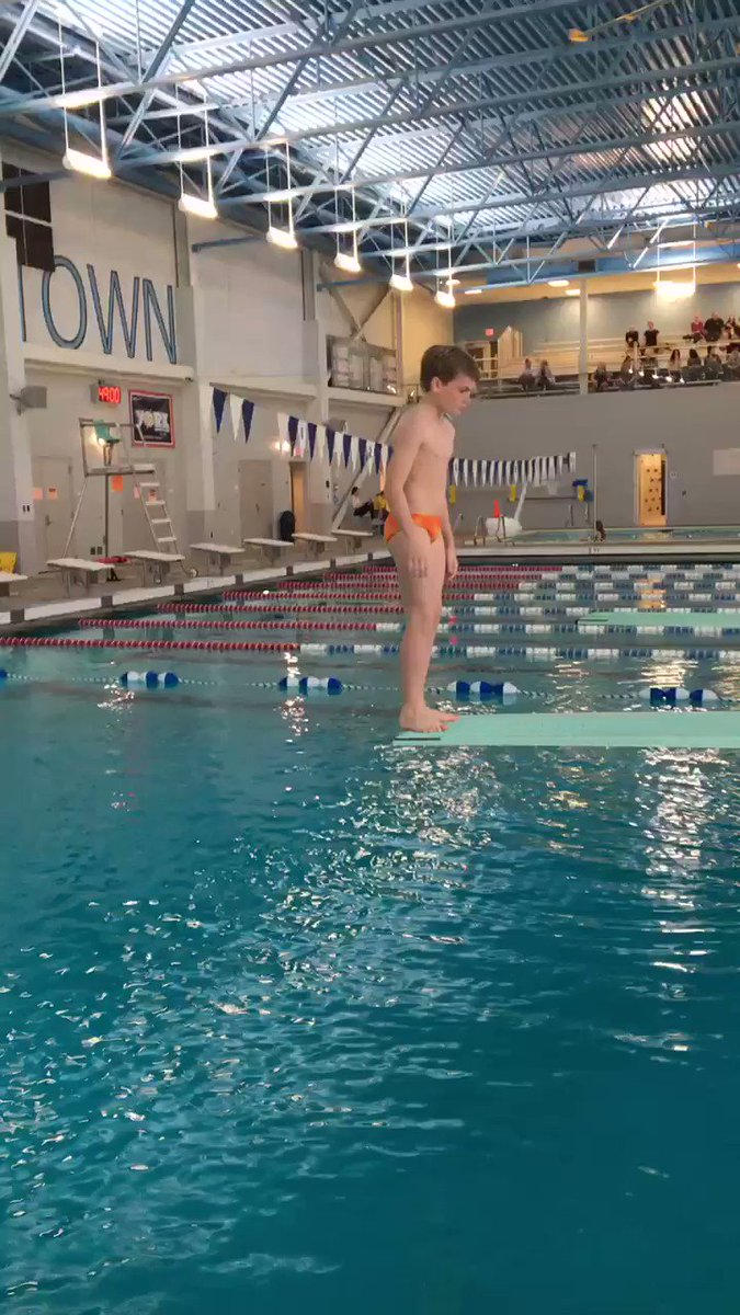 RT <a target='_blank' href='http://twitter.com/APSHPEAthletics'>@APSHPEAthletics</a>: MS Dive Championships! <a target='_blank' href='http://twitter.com/SwansonSport'>@SwansonSport</a> <a target='_blank' href='https://t.co/vG3WZcR5pz'>https://t.co/vG3WZcR5pz</a>