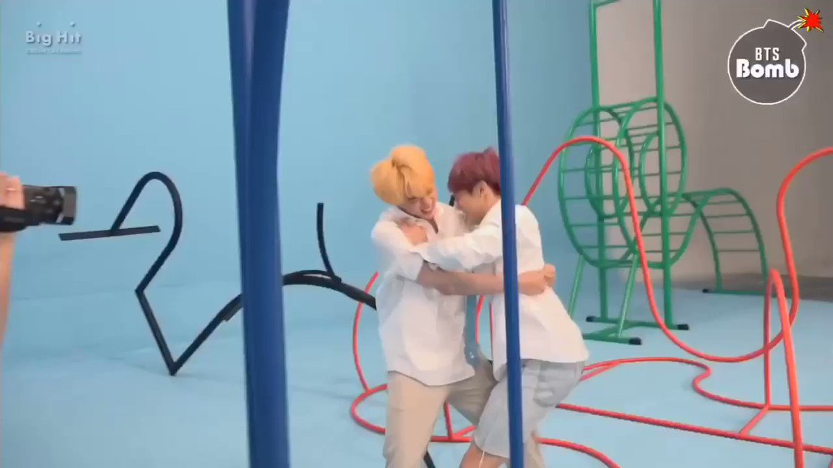Jinkook cant hug without hurting each other