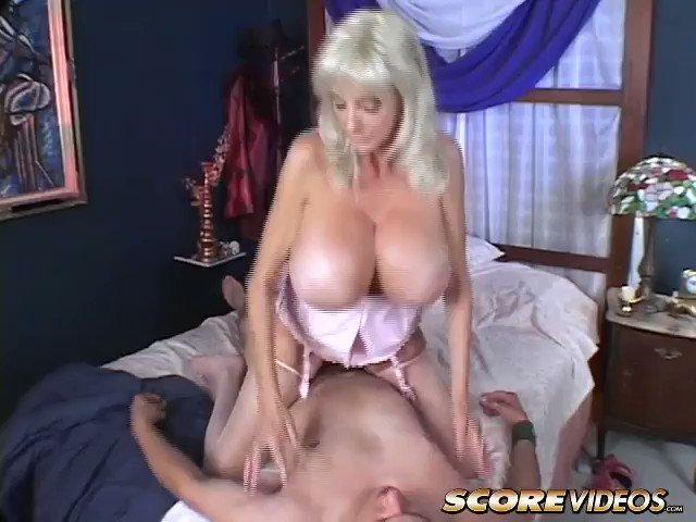 Dee Dee Deluxx Sex Pics, Photos And Links
