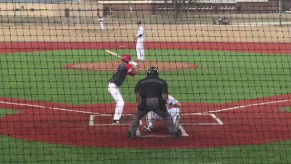 Reece Lawler (2020, Warren Township HS, IL) is crusining through three perfect innings pitched for @hittersbaseba11. The righty has struck out seven and his fastball has sat 86-89. @UIBaseball commit.
