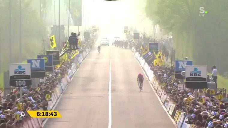 Alberto Bettiol wint Ronde van Vlaanderen