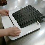 これは便利!お箸の向きを簡単にそろえる方法!