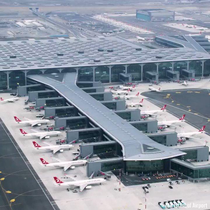 Aeropuerto de Turquía. Turquía 🇹🇷 supera a México 🇲🇽 por número de turistas internacionales, creció a doble dígito gracias al nuevo aeropuerto.México 🇲🇽 tendrá un sistema de centrales avioneras, mal interconectadas, con largos periodos de traslado.