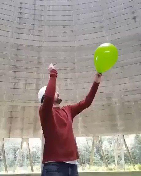 ¿Se puede simular un trueno con un globo? Se puede simular un trueno con un globo.