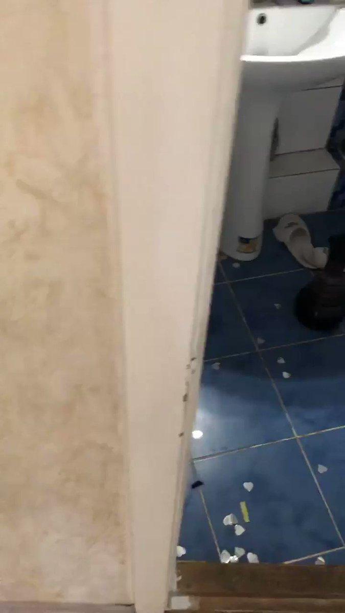 В ванной с резиновым членом