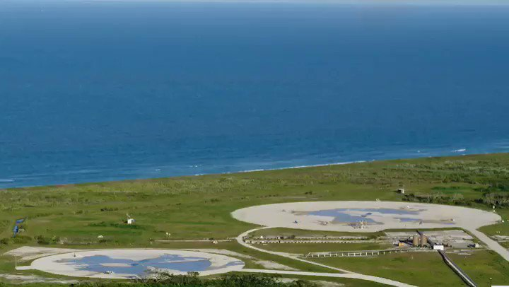 Falcon Heavy's side boosters land on Landing Zones 1 and 2