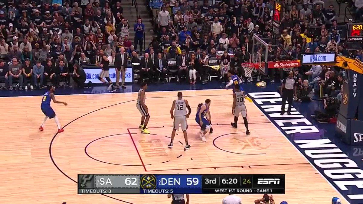 DERRICK. WHITE. HAMMER. ����  #GoSpursGo  #NBAPlayoffs  @ESPNNBA https://t.co/RAWZGdLuFk