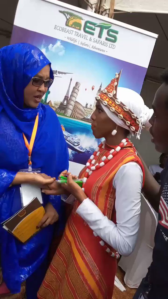I finaly got the chance to tell @Hon_FatumaGedi that I am her biggest supporter...I am always inspired by her strength..and turns out she also knew me😂😂thank you mhesh.. #FiriFestivalEastleigh