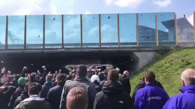 1200 FC Groningen-supporters hielden voor aanvang van de wedstrijd een corteo in Heerenveen!