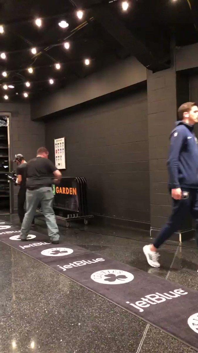 Myles Turner arrives for @Pacers/@celtics Game 1 in Boston!  ��: #GoldDontQuit x #Celtics  ⏰: 1pm/et ��: @NBAonTNT https://t.co/CRWc6dIXSd
