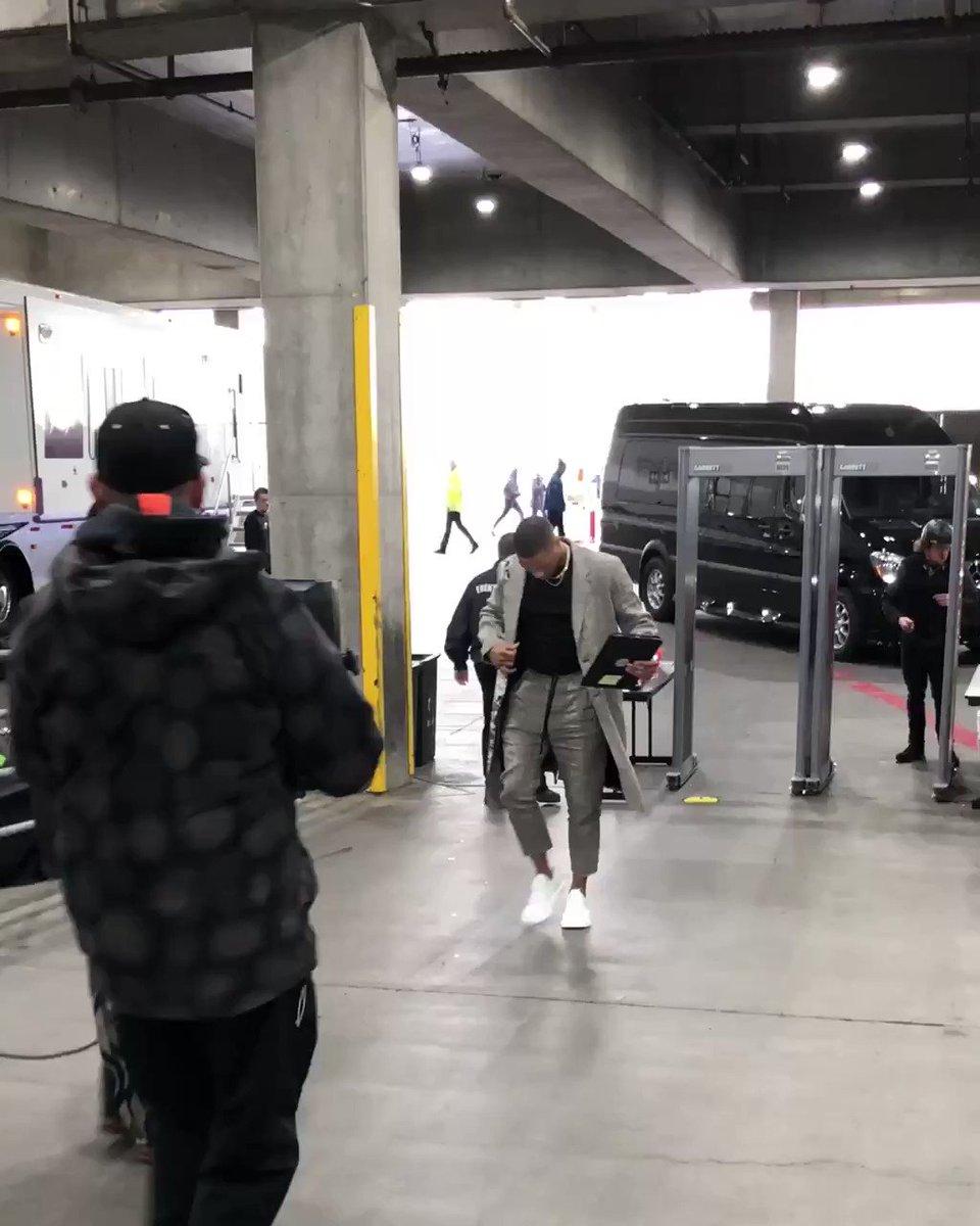 Dame & CJ arrive for the @trailblazers #NBAPlayoffs opener!   ��: #ThunderUp x #RipCity ⏰: 3:30pm/et ��: #NBAonABC https://t.co/LjoNp48D9z