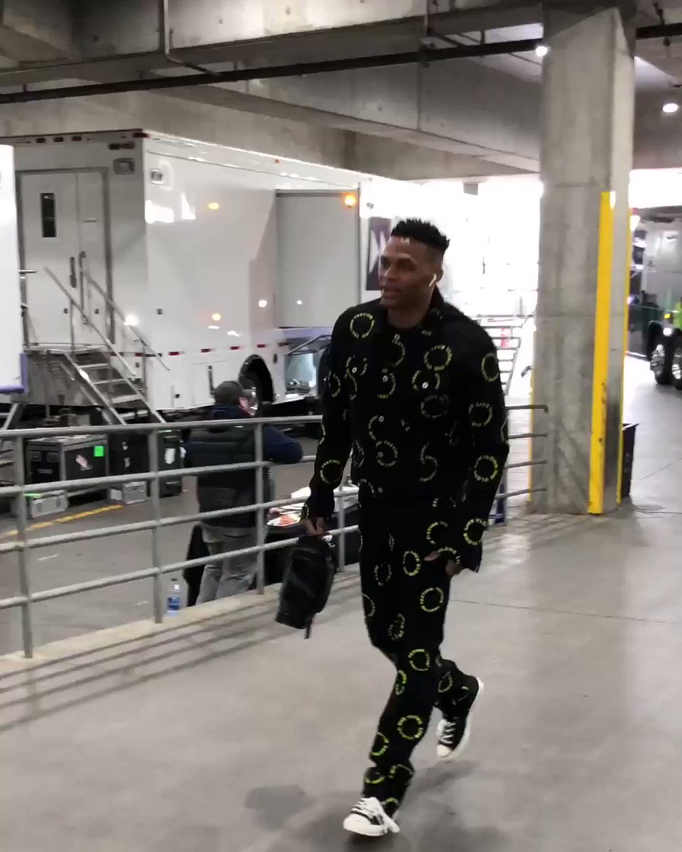 Russ arrives for the @okcthunder #NBAPlayoffs opener!   ��: #ThunderUp  x #RipCity  ⏰: 3:30pm/et ��: #NBAonABC https://t.co/9MH6BPKEWz