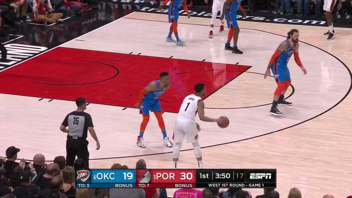 Dame's (12 PTS, 3 3PM) heating up early! #NBAPlayoffs   #RipCity 38 #ThunderUp 23  ��: #NBAonABC https://t.co/ZM1nEHatK9