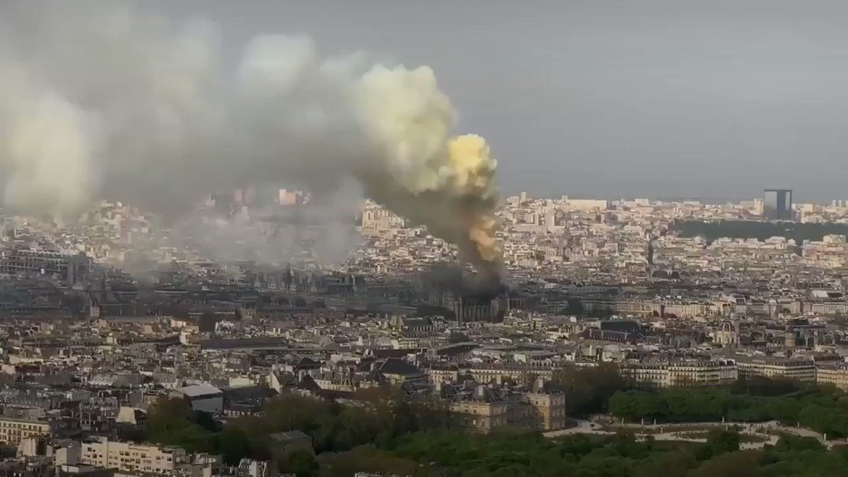 BREAKING: Notre Dame Cathedral is on fire  https://t.co/wWHqCwPTR5 https://t.co/43cnuzBJRT
