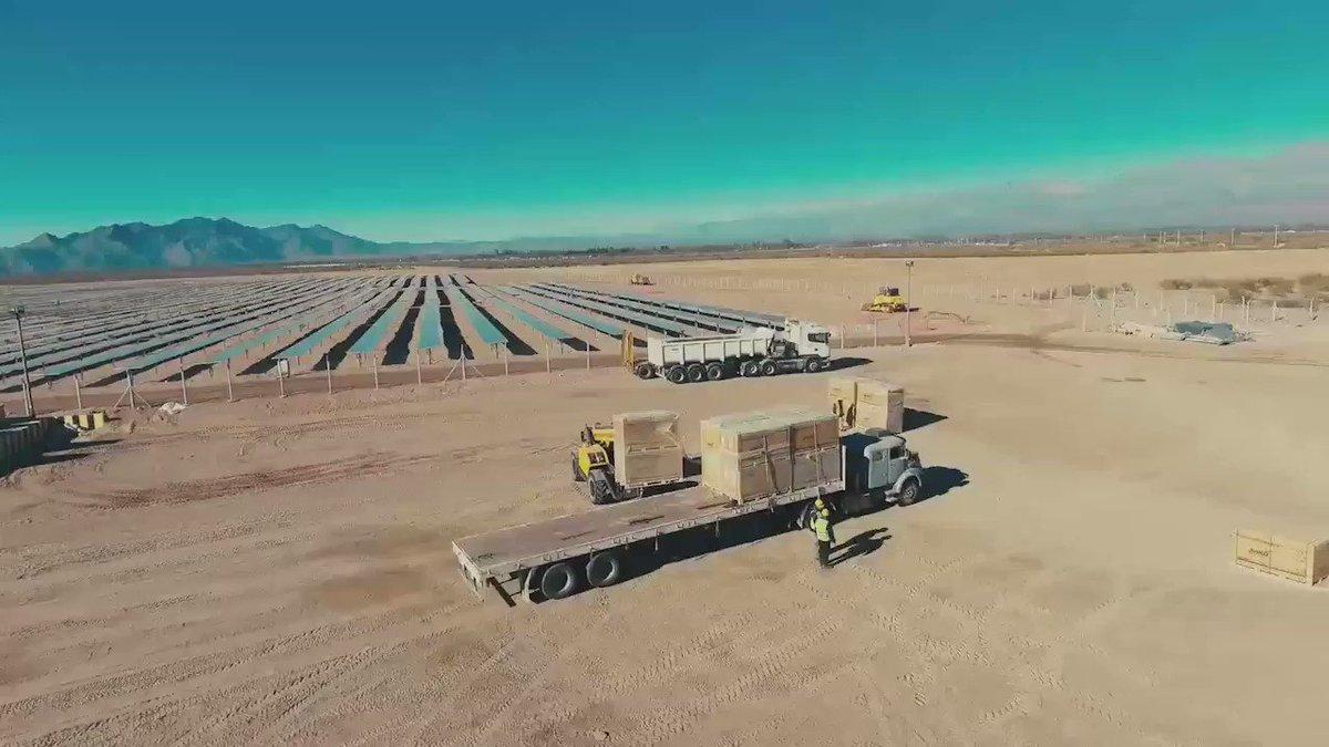 Ya empezaron a funcionar dos nuevos parques solares en Catamarca. Son Tinogasta I y II y, entre ambos, generarán #EnergíaDelSol para más de 13.700 hogares argentinos a través de 73.800 paneles solares.