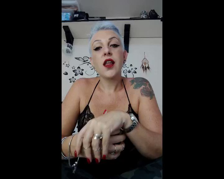 Model - Mistress Sinclair masturbation