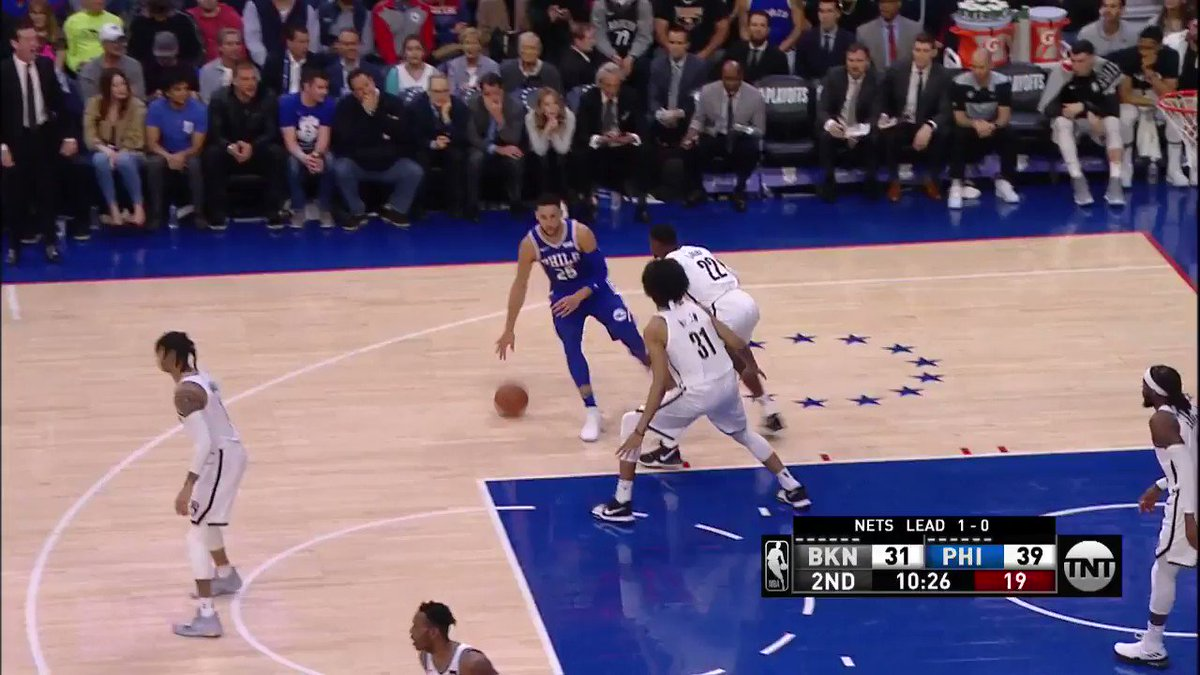 Joel Embiid (8 PTS) through contact! ��  #PhilaUnite 44 #WeGoHard 37  ��: @NBAonTNT https://t.co/JHWTcsocAP
