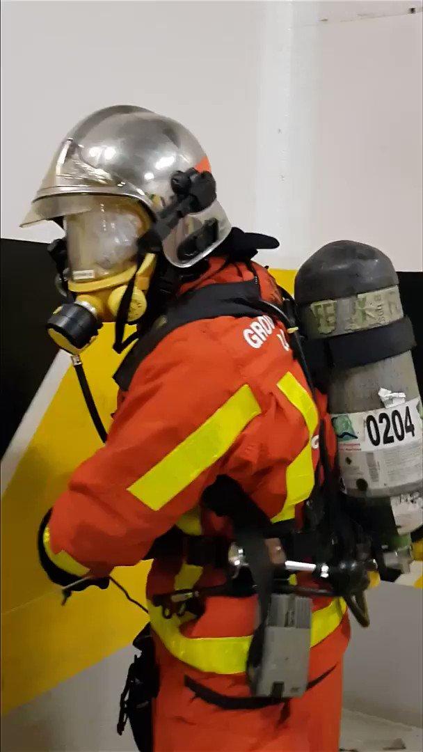 Formation des spécialistes des Interventions à bord des navires (#IBN) de niveau 1 et 2, en présence de stagiaires du #Sdis78.  cc @pompiers78