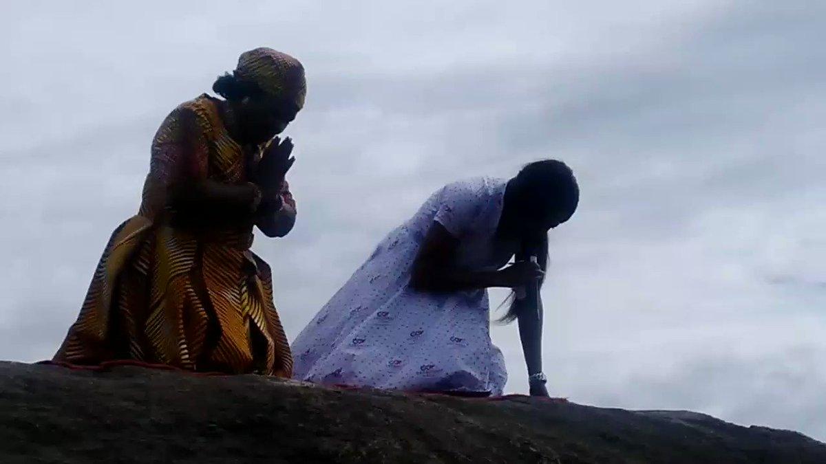 First Lady Amai Mnangagwa praying with Prophetess Matimbire in Glen Norah