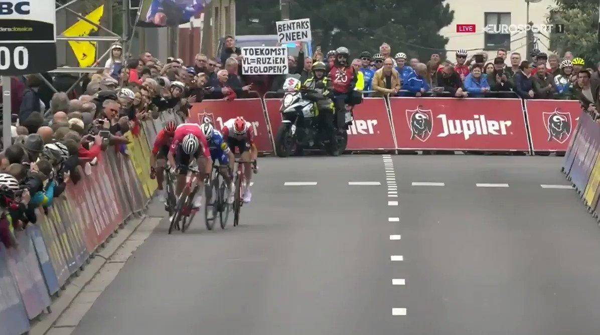 Mathieu van der Poel wint Brabantse Pijl 2019
